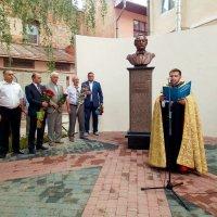 Відкриття памятника першого бургоміста Чернівців :: Степан Карачко