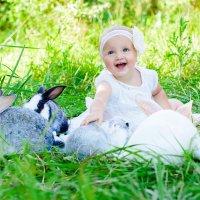 Мила и кролики :: Наталья Олексеенко