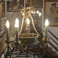 Люстра в интерьере кавказского дома. :: cfysx