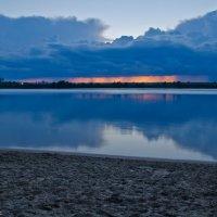 Облака над вечерней Волгой. :: Виктор Евстратов
