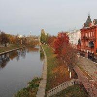Осень в городе. :: Борис Митрохин