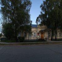 Сие здание строилось как ВОЛОСТНАЯ УПРАВА... :: Владимир Хиль