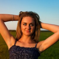 в закатном Солнце :: Виктор Зенин