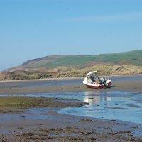 Пейзаж с лодкой :: Natalia Harries