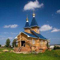 Строящийся храм. :: Екатерина Богомолова