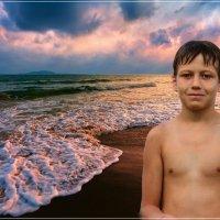 Портрет на берегу. Артем. :: Anatol Livtsov