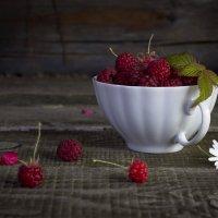 Сладка ягодка. :: Оксана Евкодимова