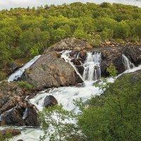 Водопад на реке Титовка :: Александр