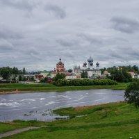 Монастырь за рекой :: Анатолий