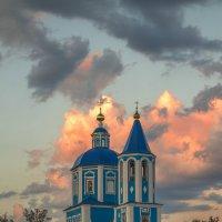 Церковь, небо, облака :: Сергей Раннев