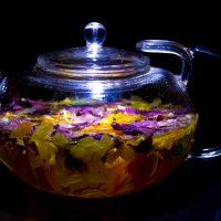 Цветочный чай :: Сергей Семенов