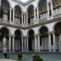 Миланский дворик :: M Marikfoto