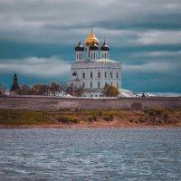 *** :: Михаил Манеев