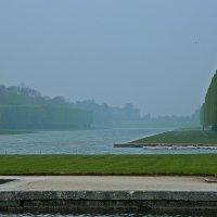 туман в Версале :: Александр Корчемный