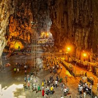 Индийский храм в пещерах Бату :: Александр