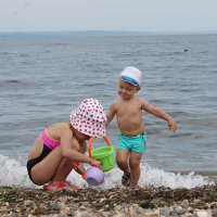 дети на пляже :: Алёна Ельцова