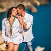 Каким бы шепотом не были сказаны слова любви, они непременно будут услышаны :) :: Алексей Латыш