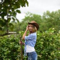 садовница :: Александра Кирьянова