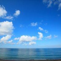 Пляж ранним утром :: Леонид