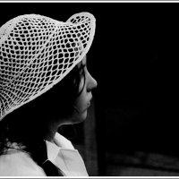 Девочка в шляпке :: юрий