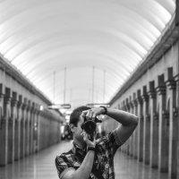 Селфи в метро :: Михаил Вандич