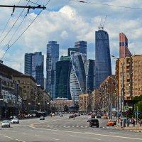 из старой Москвы в новую... :: Victor
