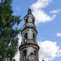 Колокольня Никитской церкви :: Galina