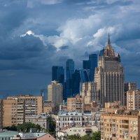 Над столицей тучи ходят хмуро :: Alexander Asedach