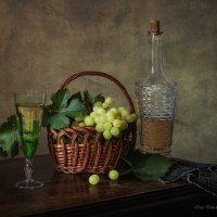 С виноградом и вином :: Ирина Приходько