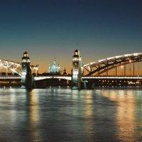 Мост Петра Великого (Большеохтинский) \ Смольный собор (пленочное фото) :: Евгений Дмитриев