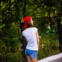 Девушка со скейтом :: KATYA DAVLETOVA
