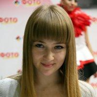 девушка,покажи глазки :: Олег Лукьянов