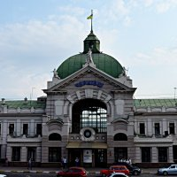 Чернівецький вокзал :: Степан Карачко