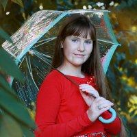 Девушка с зонтом :: Римма Алеева