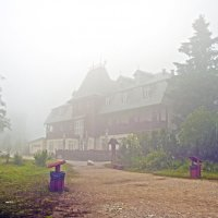 Foggy House :: Roman Ilnytskyi
