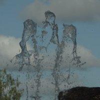 фонтан..фигуры воды... :: Михаил Жуковский