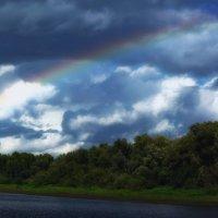 Радуга и хмурое небо :: Виктор Штабкин