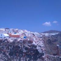 Жизнь на вулкане.(Посёлок Ия. Санторини.Эгейское море) :: Vladimir 070549