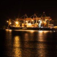 Ночь в порту :: Артем Дрига