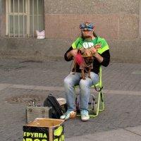 Уличный музыкант :: Татьяна Осипова(Deni2048)