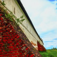Опоры монастырской стены :: Бронислав Богачевский
