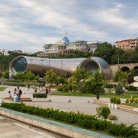 Грузия Тбилиси Вид на концертный комплекс из парка Рике :: Вячеслав Шувалов