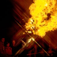 Лина и рожа дьявола в огне... :: Сергей Смоляков