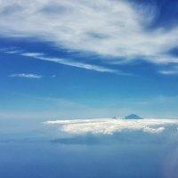 Когда вулкан выше облаков :: Александр