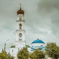 Колокольня над святыми вратами :: Артур Рыжаков