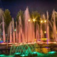 Фонтан на Центральной площади Ижевска :: Владимир Максимов