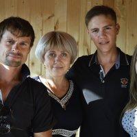 Вся семья в сборе .... :: Наталья Бутырская