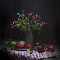 Красный лен и яблоки. :: Оксана Евкодимова