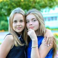 подружки.... :: Елена Лабанова