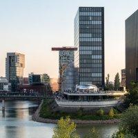 Залив иразвлекательные центры Дюссельдорфа :: Witalij Loewin